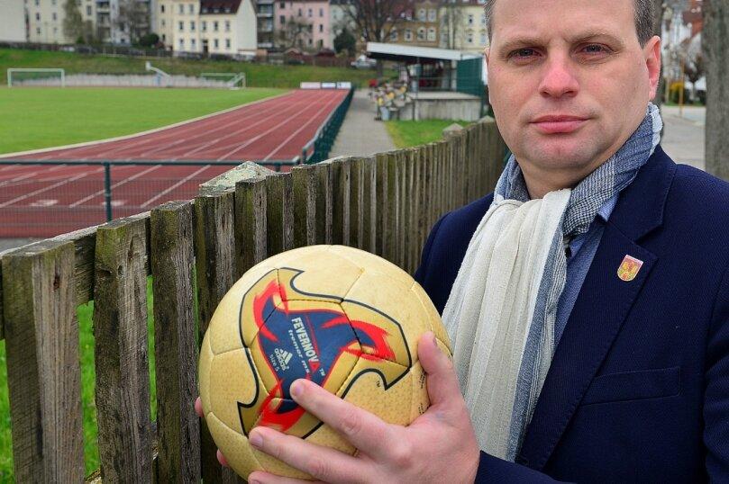 Andreas Schramm will die Weichen für die Zukunft Frankenbergs stellen. Seine Partei sieht der 1. stellvertretende Bürgermeister der Stadt am Scheideweg.