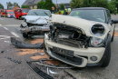 Ein Mini und ein VW sind am Sonntagabend an der Autobahnabfahrt Hartenstein/S 255 kollidiert.