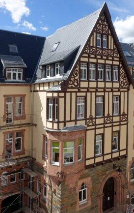 Das Gebäude mit dem im Fotorätsel gezeigten Relief.