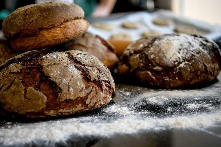 Für einen Bäcker und ein Lebensmittelgeschäft wird in Heinsdorfergrund das Aus befürchtet. Die Gemeinde rührt die Werbetrommel, um das Angebot für Bürger aufrechtzuerhalten. Mit Erfolg?
