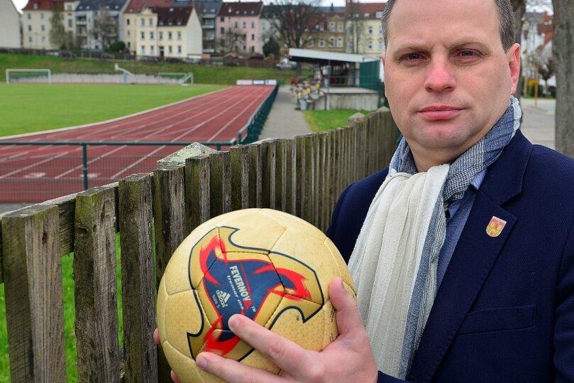 Andreas Schramm möchte die Weichen für die Zukunft Frankenbergs stellen. Seine Partei sieht der1. stellvertretende Bürgermeister und Präsident des Kreisfußballverbandes am Scheideweg.