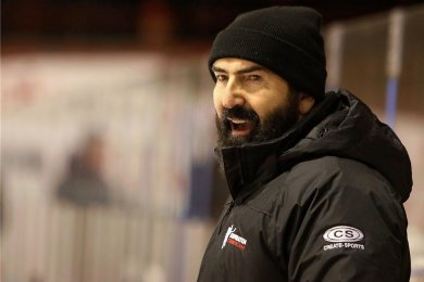 Mario Richer steht auch in der nächsten Saison als Trainer bei den Eispiraten Crimmitschau hinter der Bande.