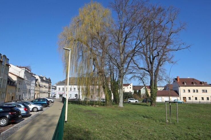 Hier, an der Karlstraße/Ecke Wehrdigtstraße soll die Neue Mitte des Stadtteils entstehen. Vorgesehen ist eine Art zentraler Stadtplatz mit viel Großgrün.