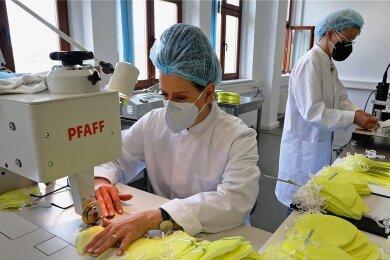 In den Räumen der Firma R-Genau Medical in Meerane werden jetzt auch Masken für Allergiker produziert.