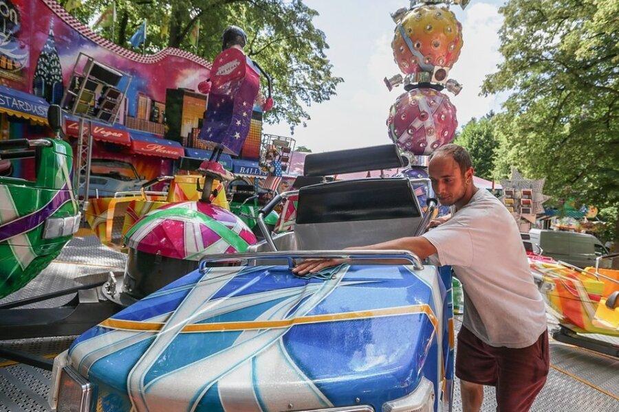 Zu den insgesamt etwa 50 Schaustellern, die beim Stadtparkfest in Limbach-Oberfrohna dabei waren, gehörte auch Frank Reichelt vom Fahrgeschäfte Break Dance. Nach Aussage ihres Verbandschefs genossen die Besucher die zehn Festtage diesmal ganz besonders.