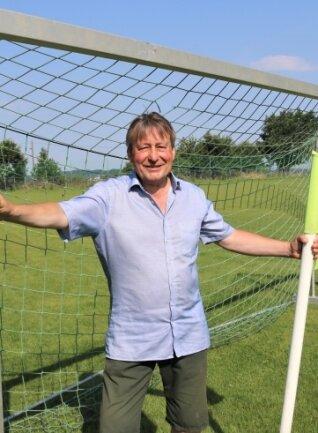 Jens Jentzsch, Vorsitzender des Vereins und Abteilungsleiter Fußball beim Eubaer SV, freut sich auf das Fußballfest.