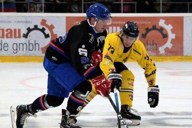 Wölfe-Neuzugang Patrik Janac (links) hat sich bereits gut ins Team eingefügt. Beim 8:0 gegen Weißwasser erzielte der 24-jährige Slowake einen Treffer.