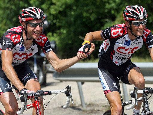 Fahren weiter in einem Team: Jens Voigt (l.) und Frank Schleck