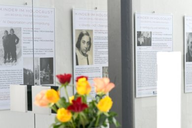 """Auch das Thema """"Kinder im Holocaust"""" in Freiberg wird anhand von Lebensläufen ganzer Familien aufgegriffen. Umfangreiche Forschungen liegen dem zugrunde."""