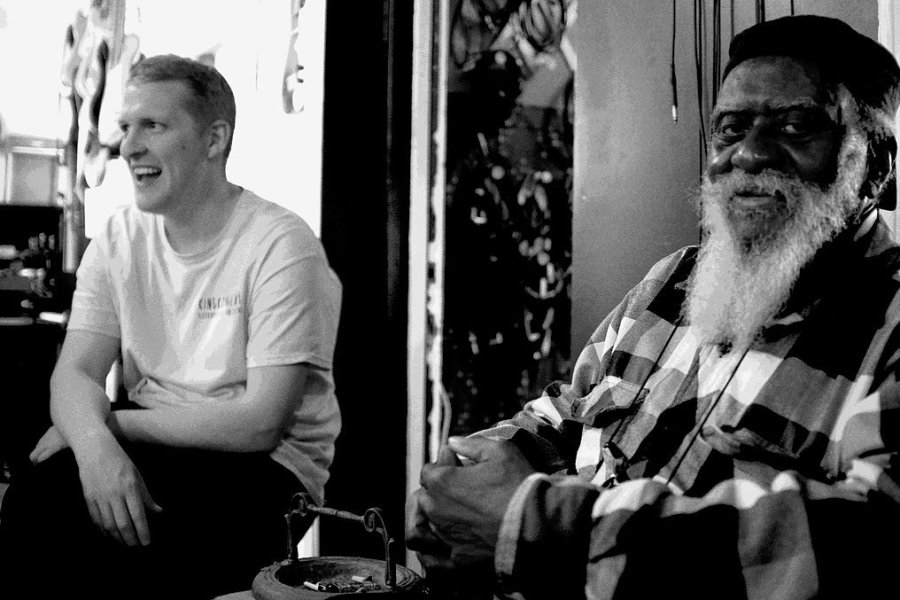 Sam Shepherd (links) mit Saxofongott Pharoah Sanders.