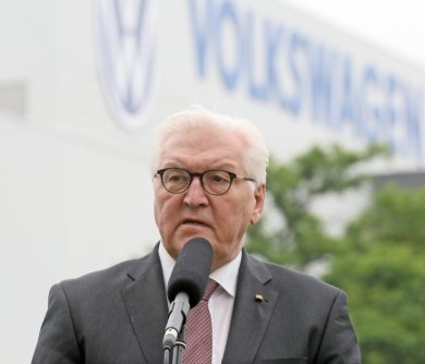Frank-Walter Steinmeier bezeichnete den Umbau des VW-Werkes als gutes Beispiel für eine gelungene Transformation.