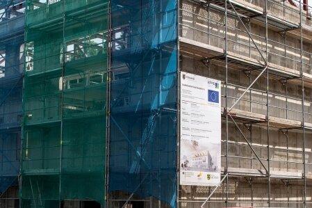 Neue Bibliothek kommt unter Dach und Fach