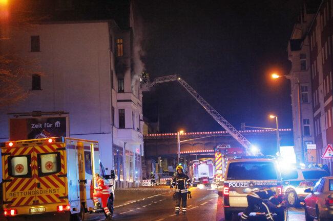 Zwei große Brände musste die Feuerwehr in Chemnitz in der Nacht zum Sonntag löschen.