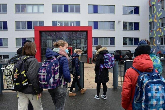 Selten war die Freude über den Schulunterricht so groß wie in dieser Woche: Achtklässler des Chemnitzer Schulmodells am Freitag.