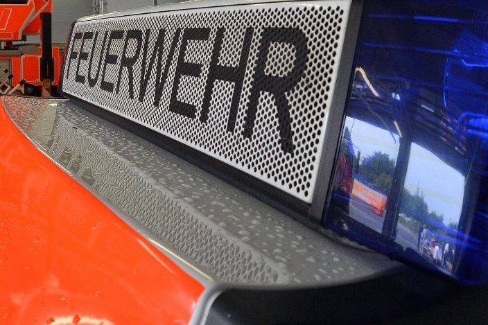 Brandeinsatz in Eppendorf: Flammen greifen auf Fahrzeug über