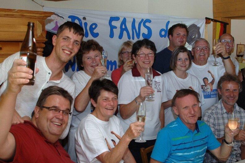 """<p class=""""artikelinhalt"""">Riesen Jubel gab es nach David Storls Weltmeistertitel beim Fanclub in Döhlen. </p>"""