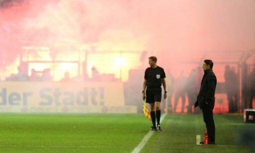 Wegen Pyro-Einsatz: Bayern München muss Strafe zahlen