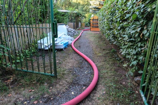 Nach ersten Informationen musste die Gartenlaube teilweise abgerissen werden.