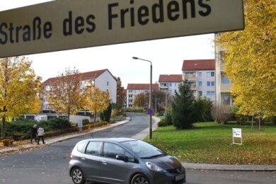 Knapp 30.000 Euro Schaden soll der Reifenstecher verursacht haben. Hier an der Straße des Friedens schlug er besonders häufig zu.