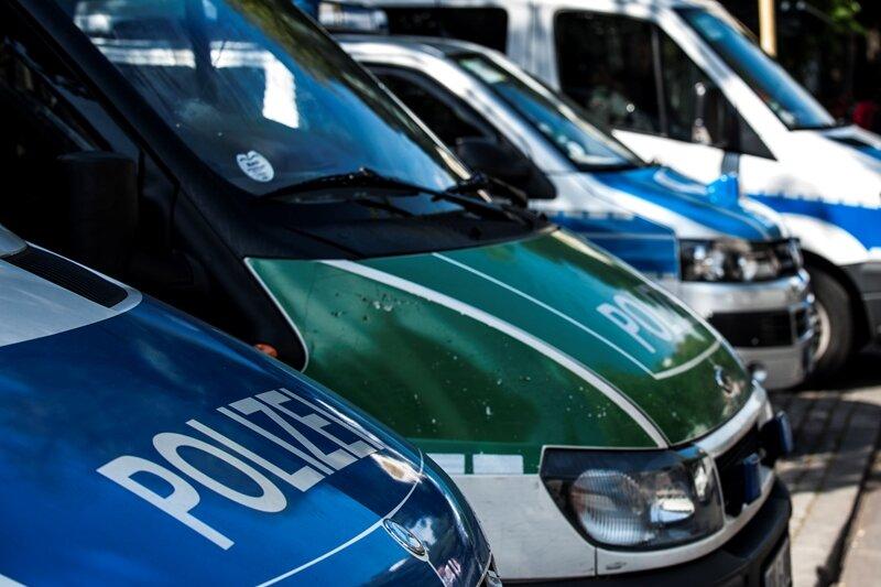 Attacke auf AfD-Bus: Polizei ermittelt