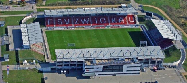 Zum Wiederanpfiff der 3. Liga nach der Corona-Pause darf der FSV Zwickau zu Hause gegen Hansa Rostock antreten - die Tribünen bleiben allerdings leer.