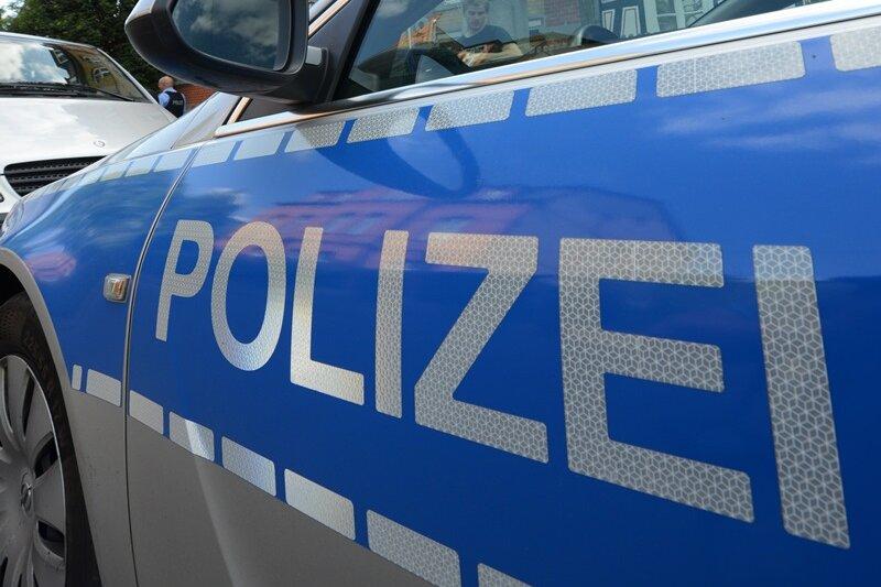 Pirk: Auto nach Unfall ausgebrannt - Fahrer schwer verletzt