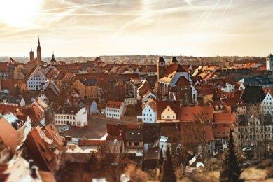 Blick auf die Altstadt 2020, ein Motiv der Einladung zur Einheits-Festveranstaltung: 166 Millionen Euro sind allein aus Städtebaufördermitteln von 1990 bis 2020 verbaut worden.