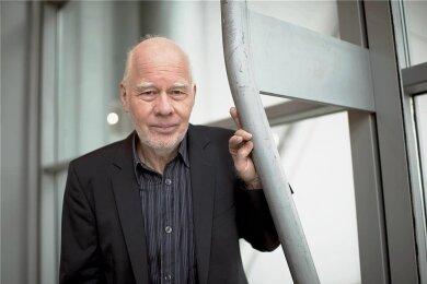 Lukas Hartmann wendet sich in seinen Romanen häufig historischen Themen zu.