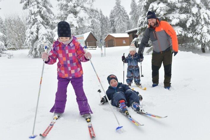"""Das Projekt von Maik Schmidtchen: Den Kindern das Skifahren beibringen. """"Am Waldrand hoch und wieder runter: Nach drei Tagen hat es geklappt."""""""