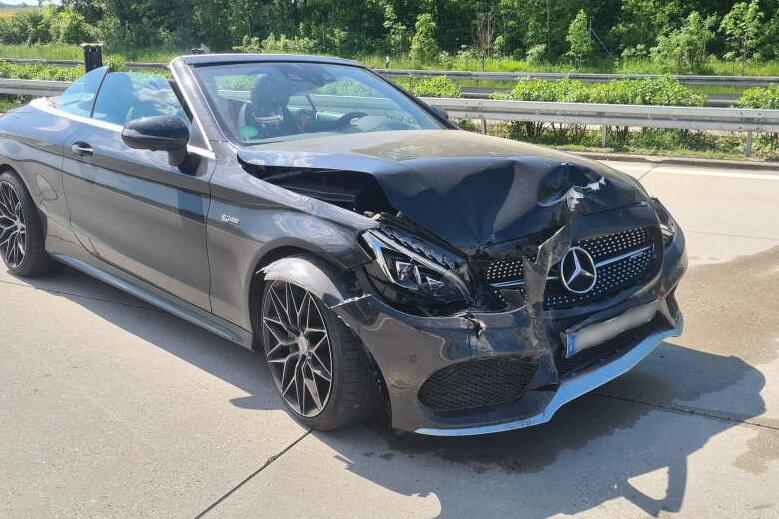 Unfall auf der A 4: 23-Jähriger fährt auf Stauende auf