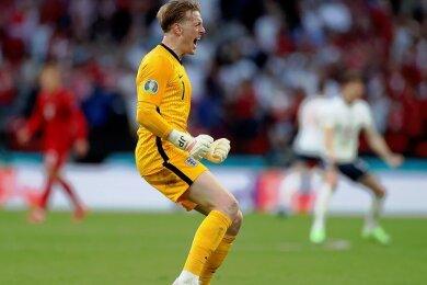 Jubel nach dem Tor zum 1:1 im Halbfinale gegen Dänemark: Englands Torhüter Jordan Pickford steht nun im Endspiel gegen die Italiener vor seiner größten Bewährungsprobe.