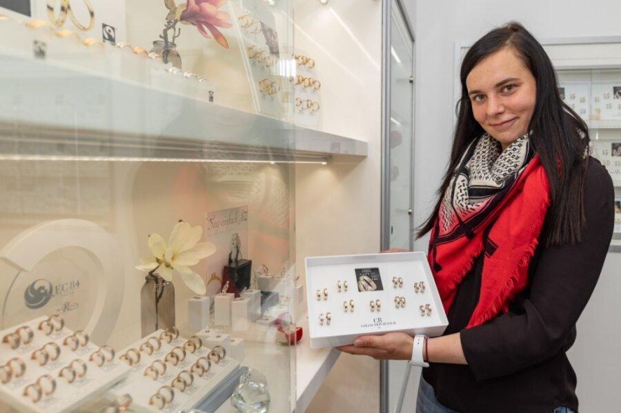 Sabrina Heinrich vertritt die vierte Generation der Uhrmacher-Familie. Mit ihrem Vater verwirklichte sie den Traum von einem Ring-Studio.