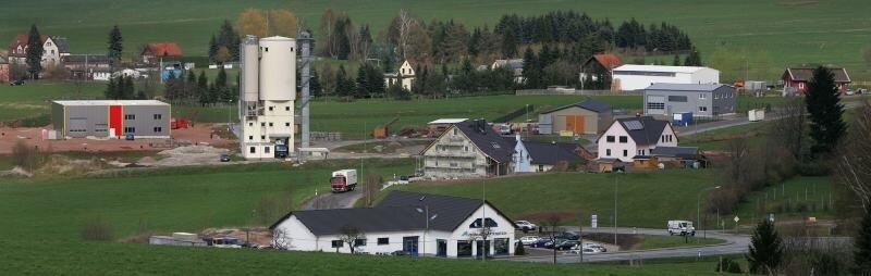 Nach der Änderung des Bebauungsplanes füllt sich das ehemalige Gewerbegebiet in Hartenstein zunehmend mit Eigenheimen, aber auch weiteren Firmen.