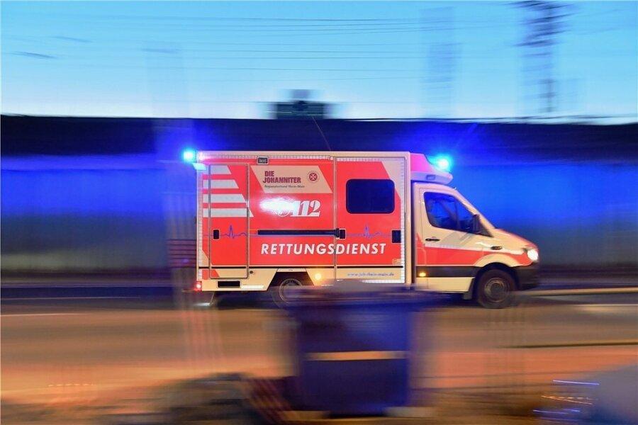 Drei Verletzte bei Unfall an A-72-Auffahrt