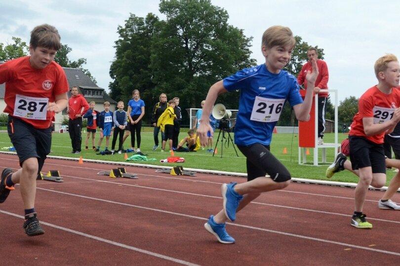 Endlich wieder Wettkampf: Stimmung bei Kindersportfest