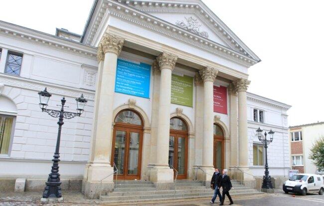 Das Vogtland-Theater heute. In den vergangenen Jahren wurde es grundhaft saniert.