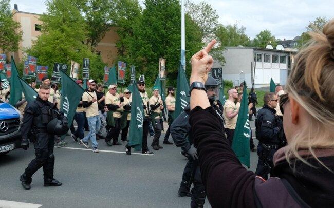 """Protest gegen die Kundgebung der rechtsextremen Partei """"Der dritte Weg""""."""