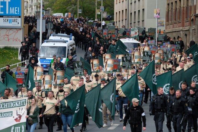 Die Partei hatte bundesweit mobilisiert. Nach Plauen kamen 500 Anhänger.