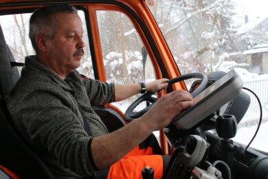 Der 54-jährige Bauhofleiter Thomas Hunger ist mehr als 30 Jahre im Winterdienst.