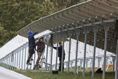 Der hier erzeugte Strom soll über das Umspannwerk an der Talstraße in Meerane eingespeist werden.