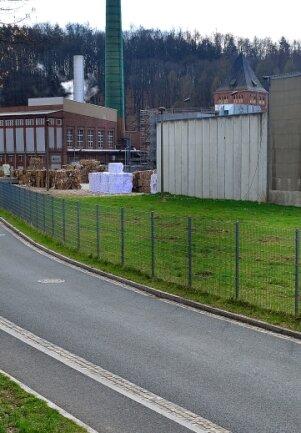 Auf dieser Wiese der Kübler und Niethammer Papierfabrik wurden Obstbäume gefällt.
