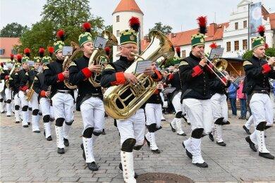 Die traditionelle Bergparade am Sonntagvormittag gehört zu den Höhepunkten des 34. Bergstadtfestes.