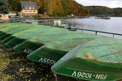 So sah es zum Saisonende 2016 im Kriebsteiner Hafen aus: Die Ruderboote waren an Land geholt worden, im Folgejahr wurden sie dort letztmalig zu Wasser gelassen. Künftig gibt es hier keinen Verleih mehr.