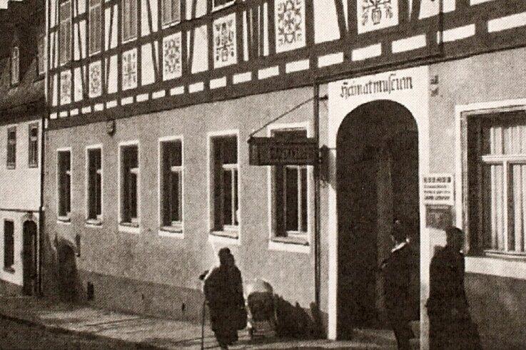 Von 1952 bis zum Ende der DDR organisierte die staatliche Handelsorganisation (HO) den Gaststättenbetrieb.