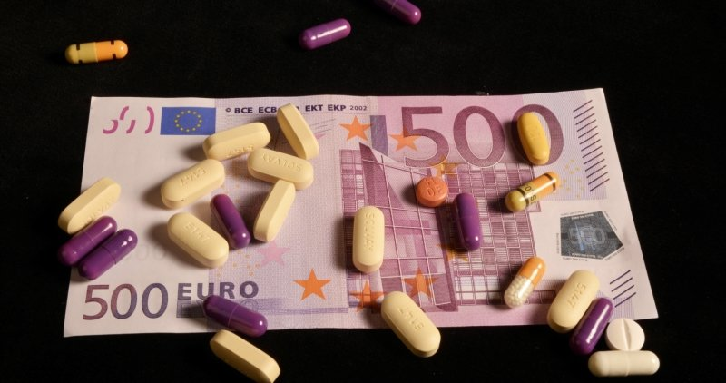 Wenn Ärzte bestimmte neue Medikamente unter dem Vorwand von Studien geben, gibt's Geld.