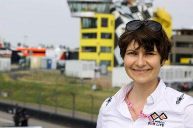 Judith Pieper-Köhler ist nicht nur für Renn-Teams am Sachsenring im Einsatz. Sie arbeitet auch für die Organisation Two Wheels for Life, die sich dafür einsetzt, dass es in abgelegenen Regionen Afrikas eine medizinische Grundversorgung für die Menschen gibt.