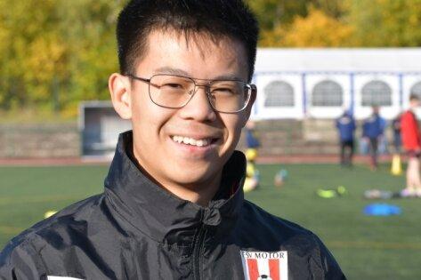 Immer am Ball: Die Verantwortlichen des FSV Motor Brand-Erbisdorf um Jugendleiter Hoang-Nam Ngo versuchen, den jungen Kickern interessante Alternativen zum fehlenden Training anzubieten.