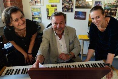Claudia Müller-Kretschmer, Wieland Müller und Susanne Müller-Kaden im Studio W.M. Die Schwestern haben die Geschäftsleitung nun von ihrem Vater übernommen, treten aber auch mit eigenen Bühnenprojekten ins Rampenlicht.