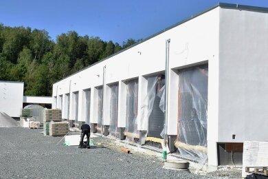 Die neue Rettungswache in Adorf: Die große Garage bietet Platz für zwölf Fahrzeuge.