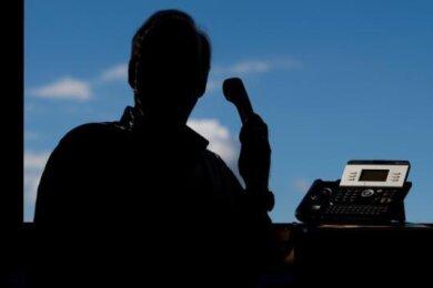 Ein Erpresser hat am Telefon (Symbolfoto) von einem älteren Herrn aus Weischlitz Geld gefordert, damit dessen Computer wieder freigeschaltet würde.